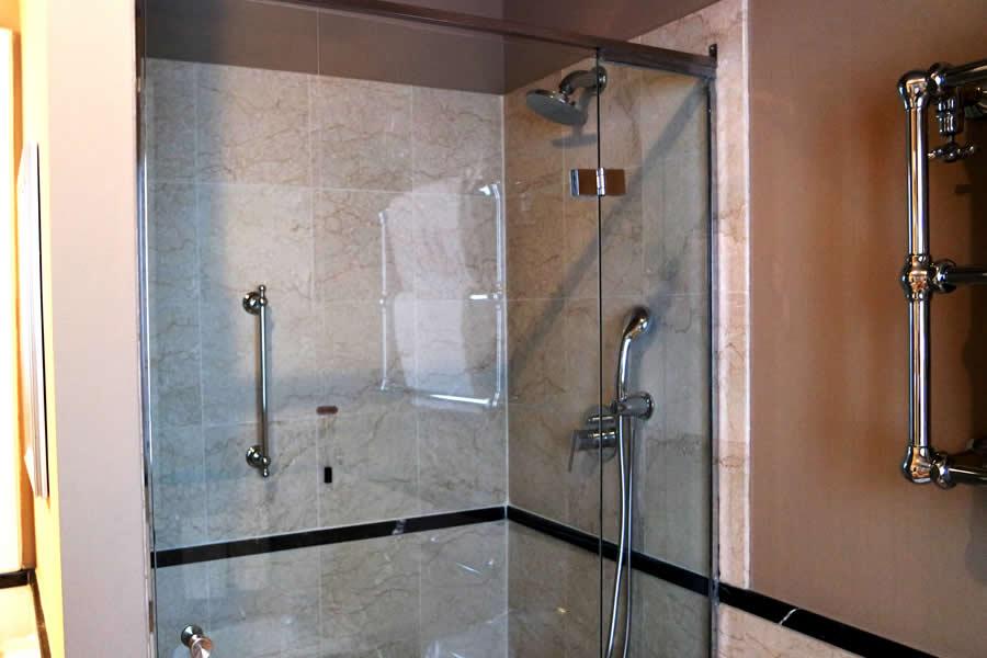 Vendita box doccia milano anche su misura